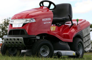 Honda HF2622 ride on mower