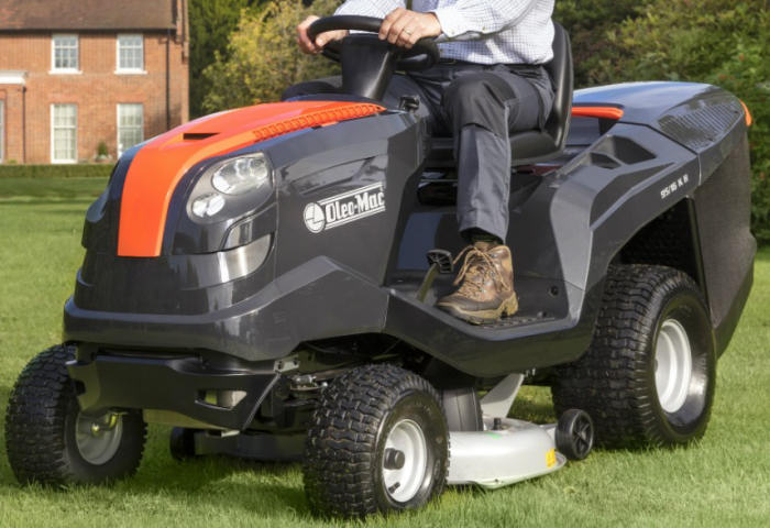 Oleo Mac OM95 ride on mower